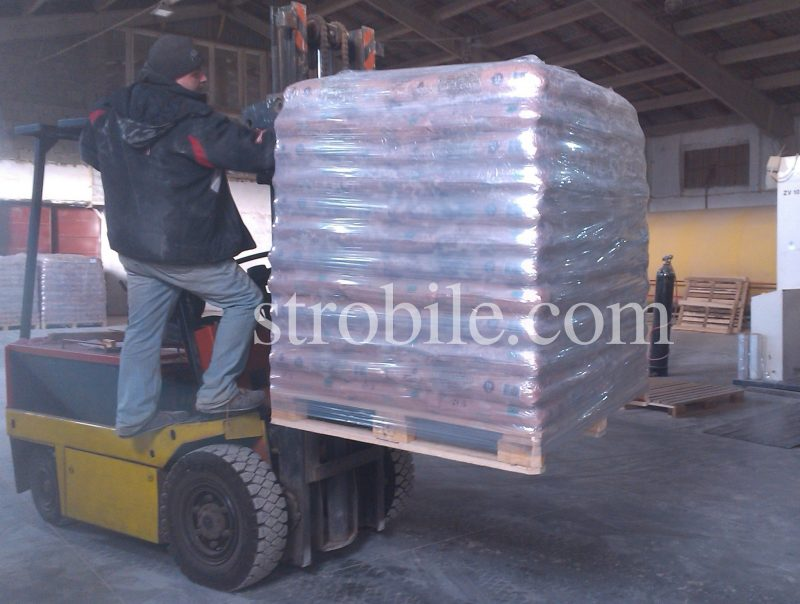 The standard size of the pallet is 1.2 x 1.0 x 1.5 (the height is 1.50 m). There are 65 sacks on the standard pallet.